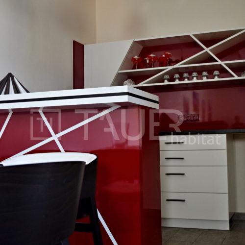 Červená designová kavárna od TAUER habitat 19